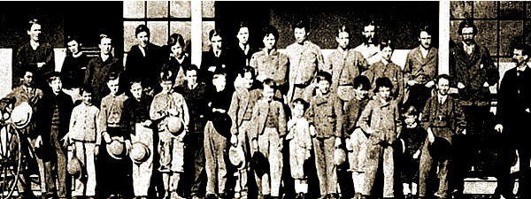 The Garroorigang school class of 1871 - student ages range from small boys to young adults.